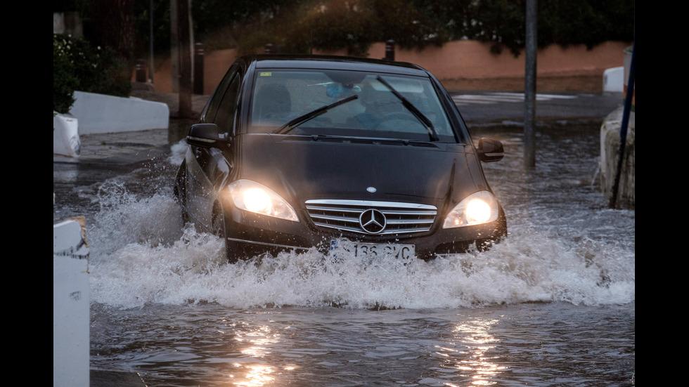 Лошо време в Испания взе най-малко три жертви