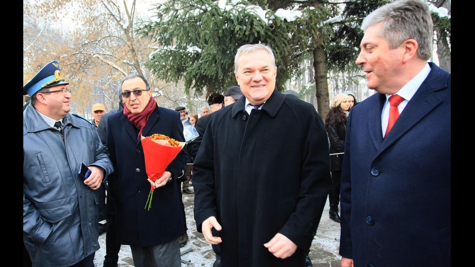 Трима президенти на откриването на паметник на полк.Дрангов