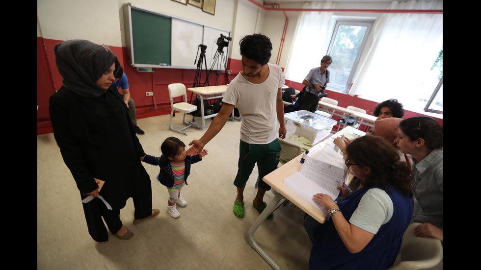 Турция избира президент и депутати
