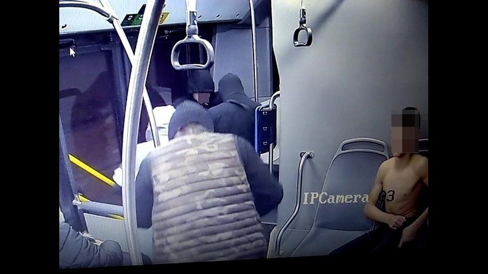 СДВР показа нападателите на момчето в столичния автобус