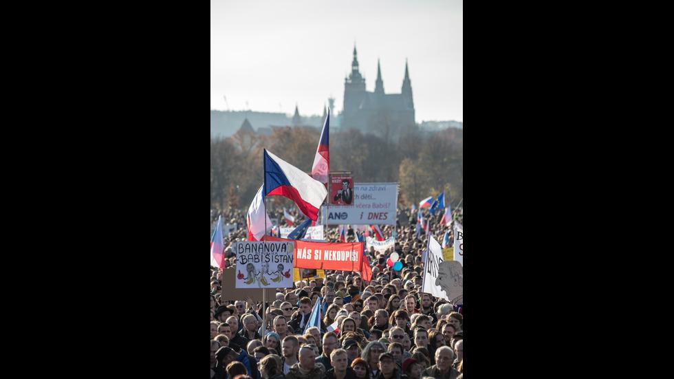 Стотици хиляди на протест срещу чешкия премиер
