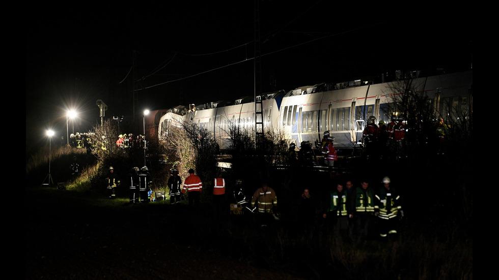 Влакова катастрофа в Германия, над 50 ранени
