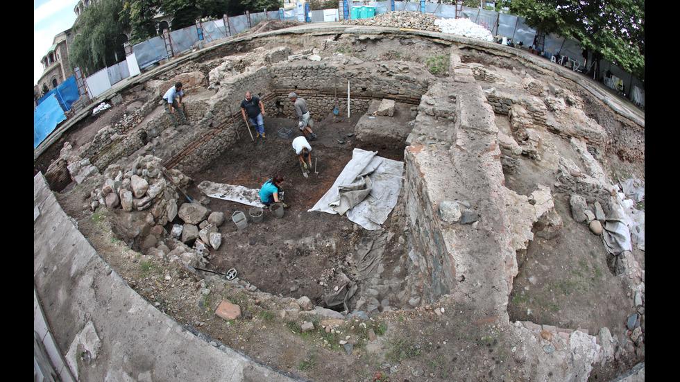 Глинени съдове и сребърни монети – част от находките при разкопки в София