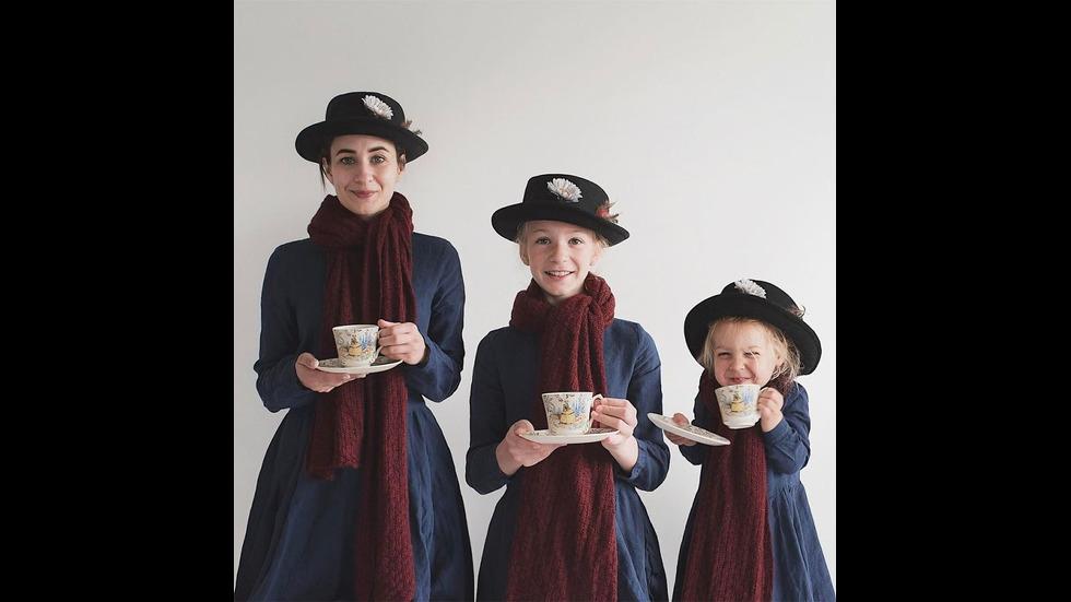 Майка и дъщерите й в очарователна фотосесия