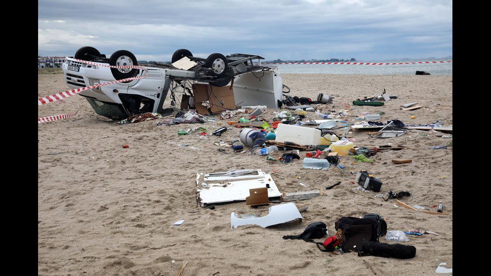 Буря уби шестима туристи в Гърция
