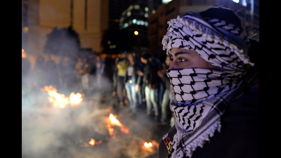 Сблъсъци пред сградата на парламента в Бейрут