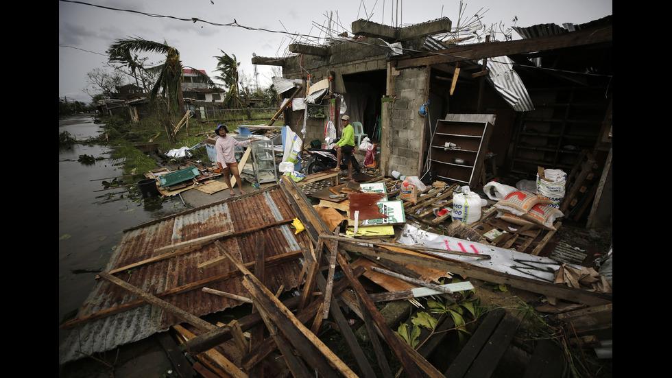 """Тайфунът """"Мангхут"""" премина през Филипините"""
