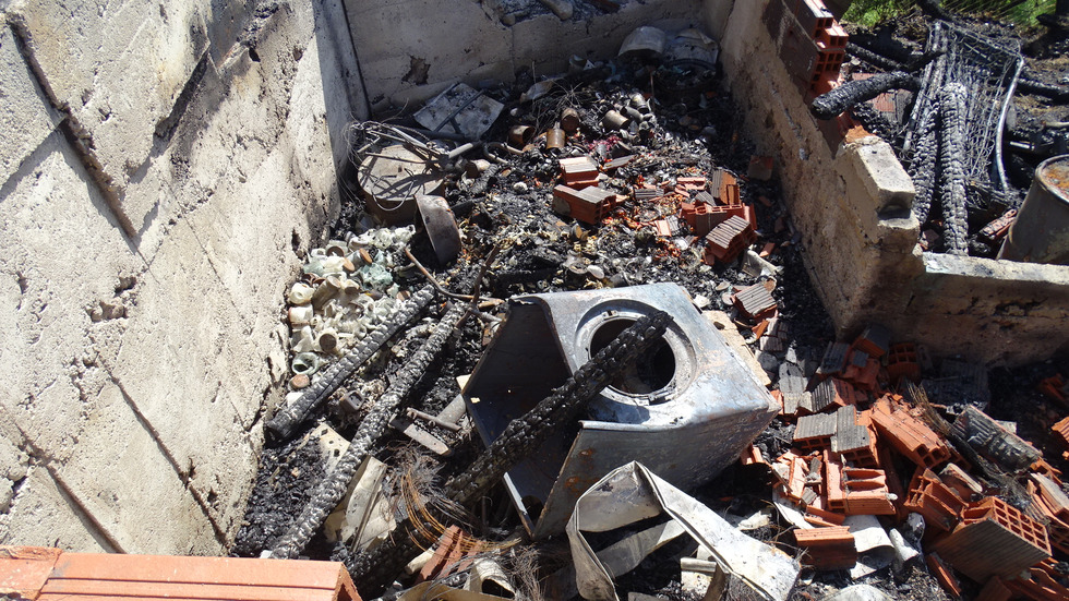 Голям пожар остави без дом семейство от Белица