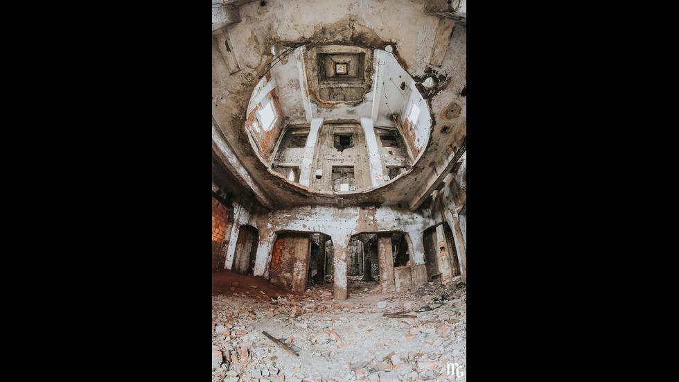 ПРИКЛЮЧЕНИЕ: Да се разходиш в изоставена фабрика от 1911 г.
