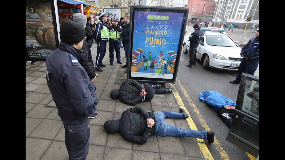 Задържахамъже, разбивали коли в София
