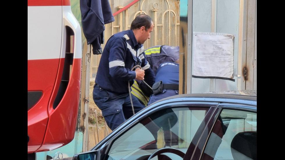 Възрастен мъж падна в строителен изкоп