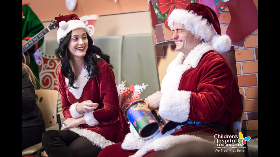 Орландо Блум и Кейти Пери посетиха детска болница