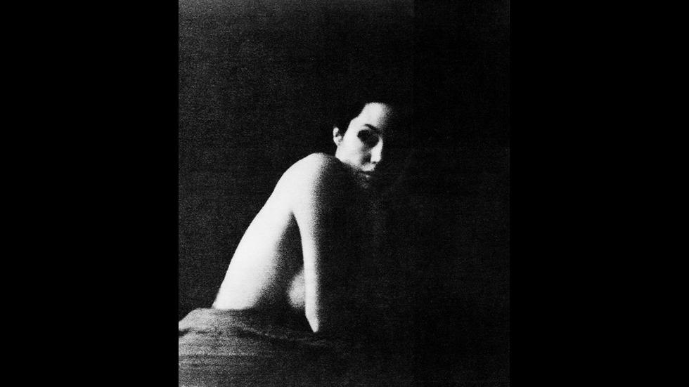 Брад Пит разпространи интимни снимки на Анджелина
