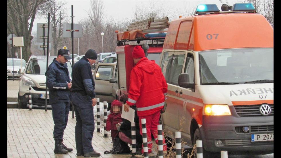 Кола с 2-годишно дете падна в скат в Русе