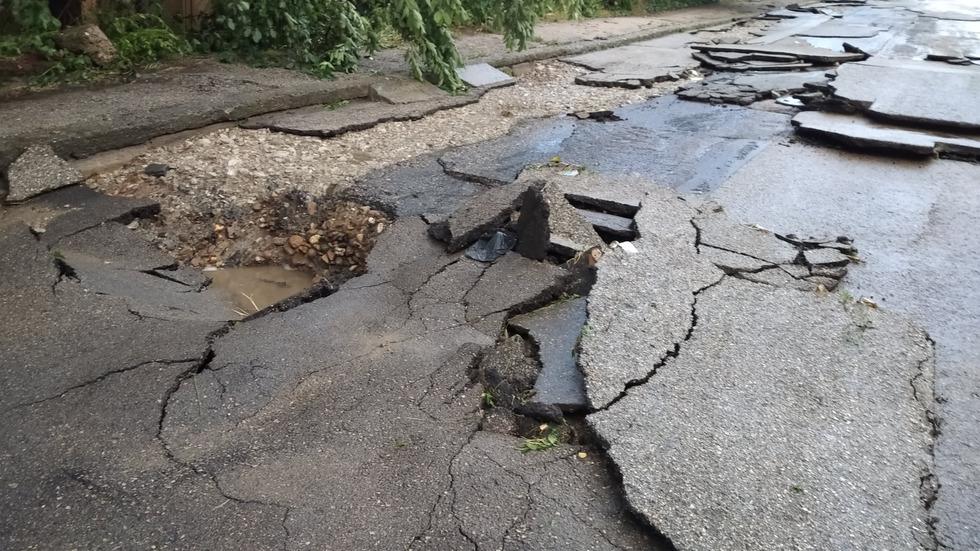 Буря нанесе сериозни материални щети в Лом