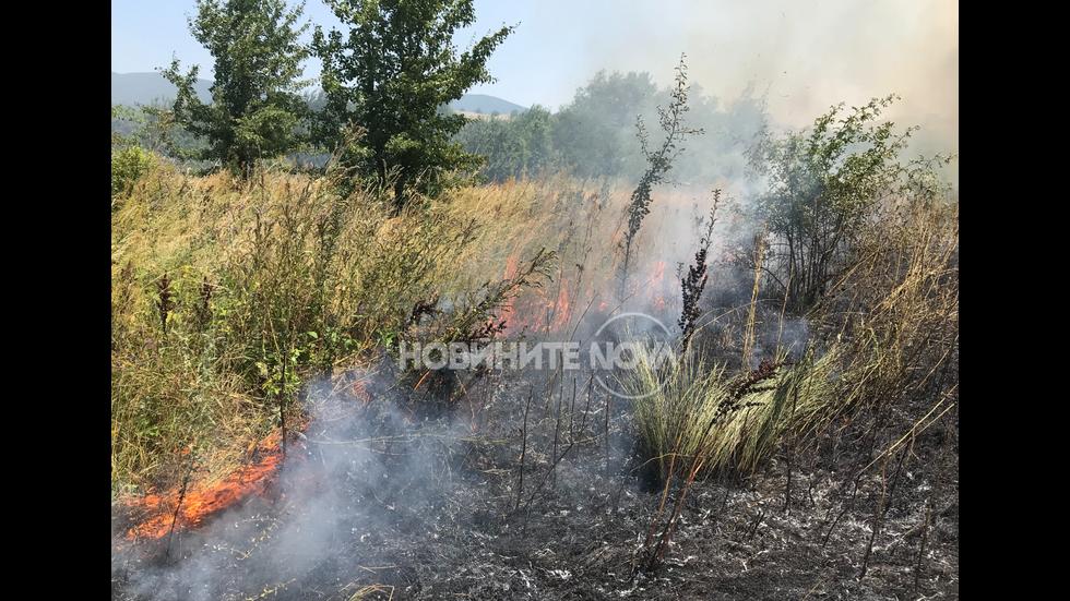 Две къщи горят в Казанлък
