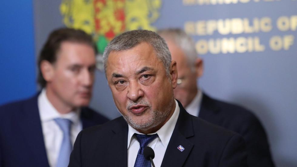Симеонов: Няма да подам оставка по морални причини, казвам истината