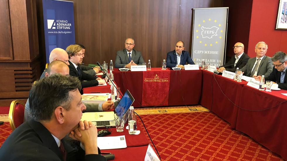 Цветанов: Днес цяло едно поколение не знае какво се е случило преди 1989 г.