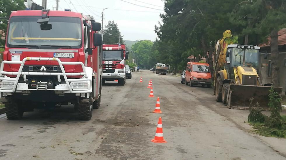 Буря нанесе огромни щети в свищовското село Морава
