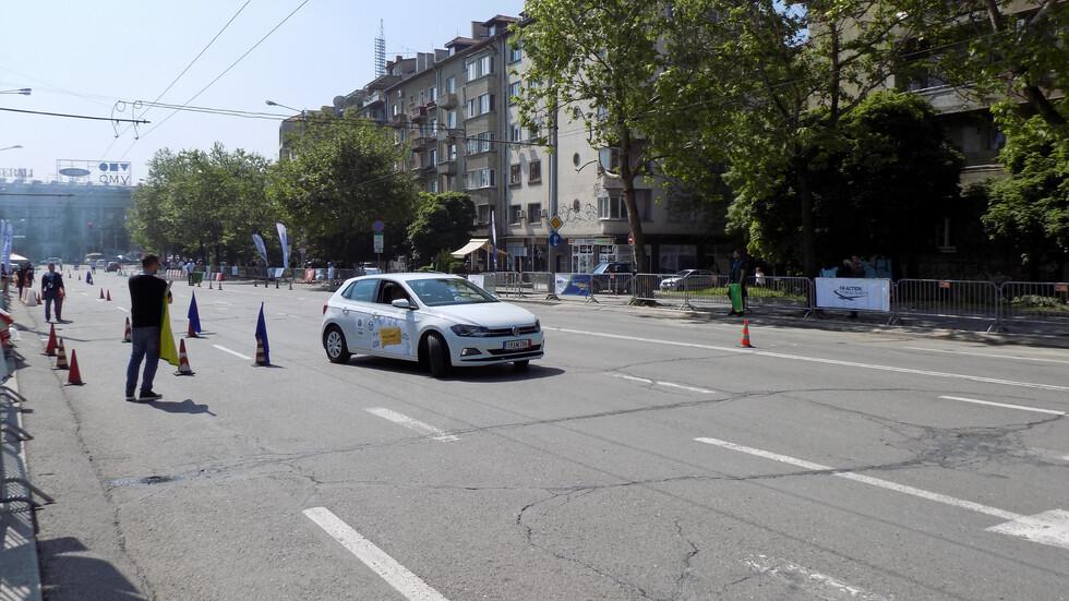 """30 състезатели в борба за приза """"Най-добър млад шофьор на България"""""""
