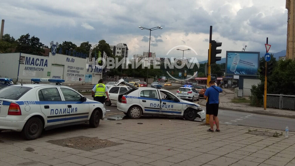 Катастрофа с патрулка в София