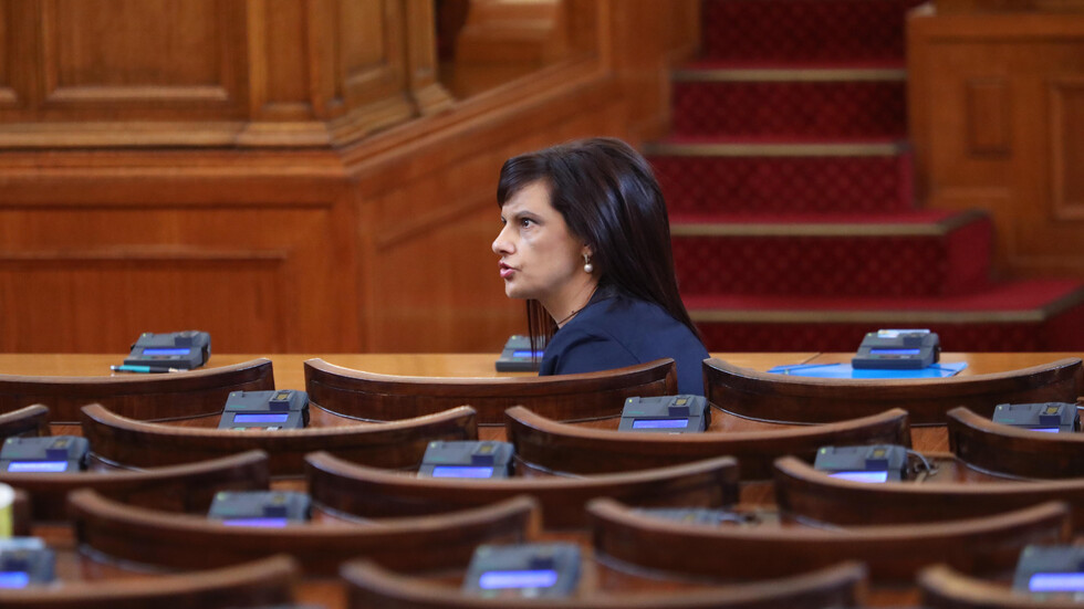 Извънредно заседание на Парламента за машинното гласуване на предстоящите местни избори