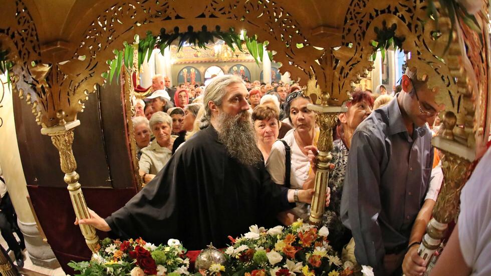 Поклонение пред мощите на Света Марина
