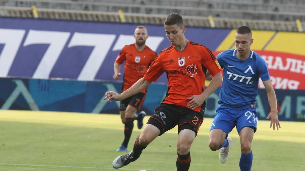 """""""Левски"""" продължава напред в ЛЕ след нова победа над """"Ружомберок"""""""