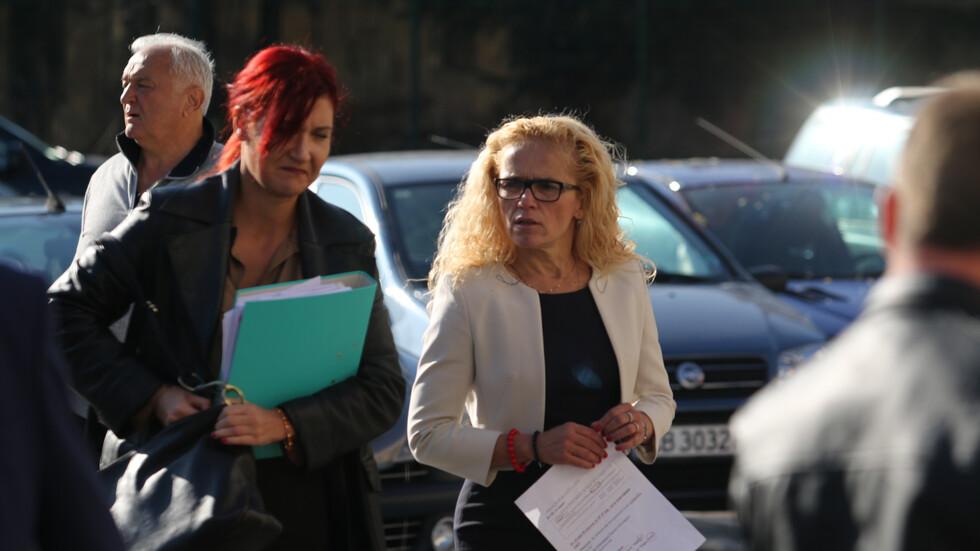 Иванчева и Петрова остават под домашен арест