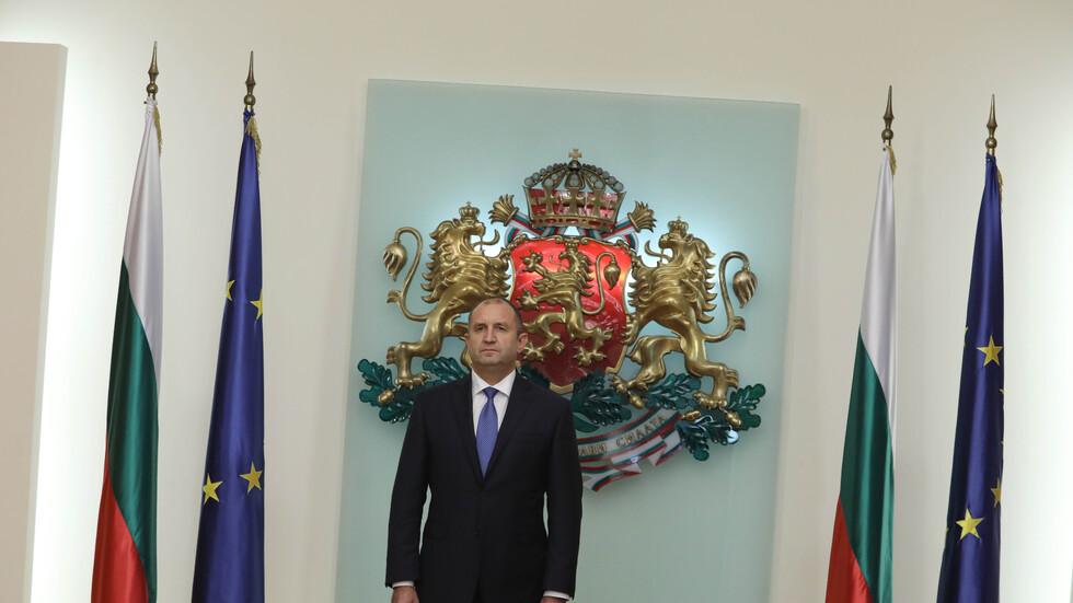 Радев награди с висши държавни отличия шестима изтъкнати българи