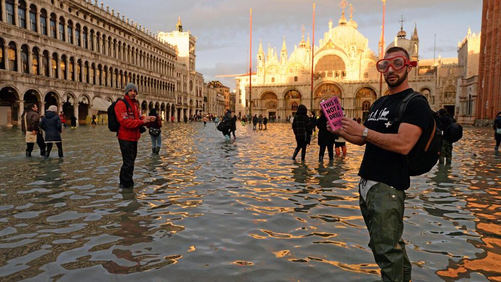 1 милиард евро са щетите от наводнението във Венеция