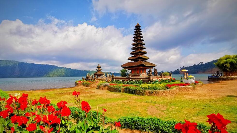 Храмът Пура Улун Дану Братан – емблемата на Бали