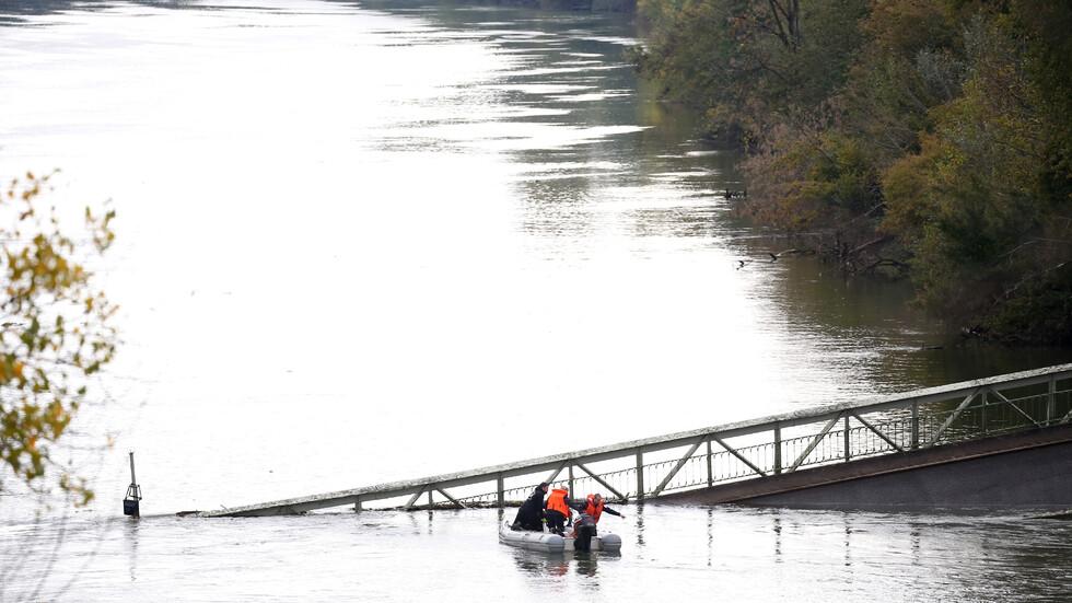 Мост се срути във Франция, има жертви и ранени