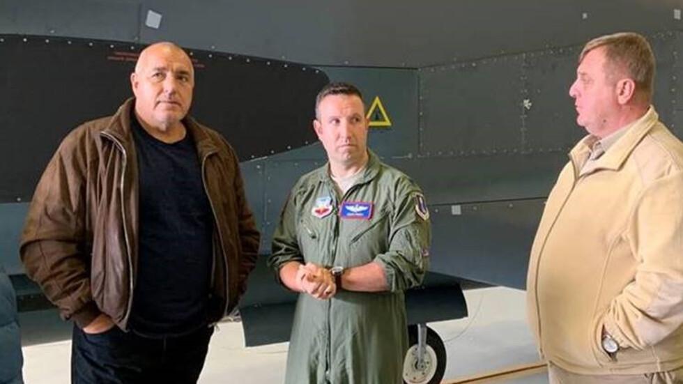 Бойко Борисов на US самолетоносач