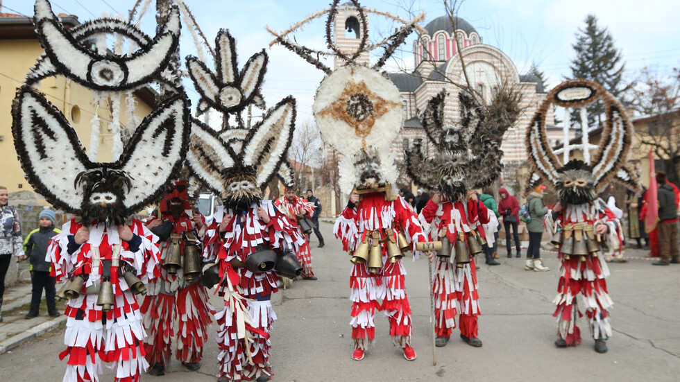 "Фестивалът ""Сурова"" в Брезник"