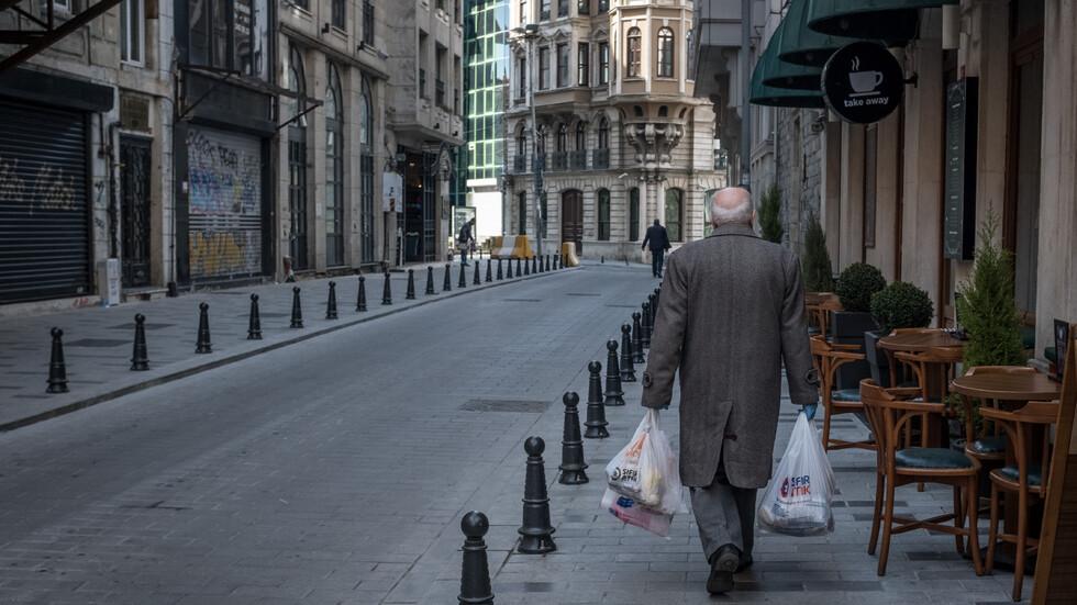 Празните улици на Истанбул