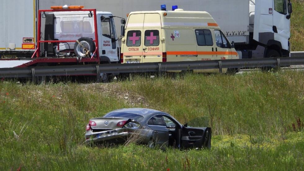 Автомобил катастрофира на Ботевградско шосе в София