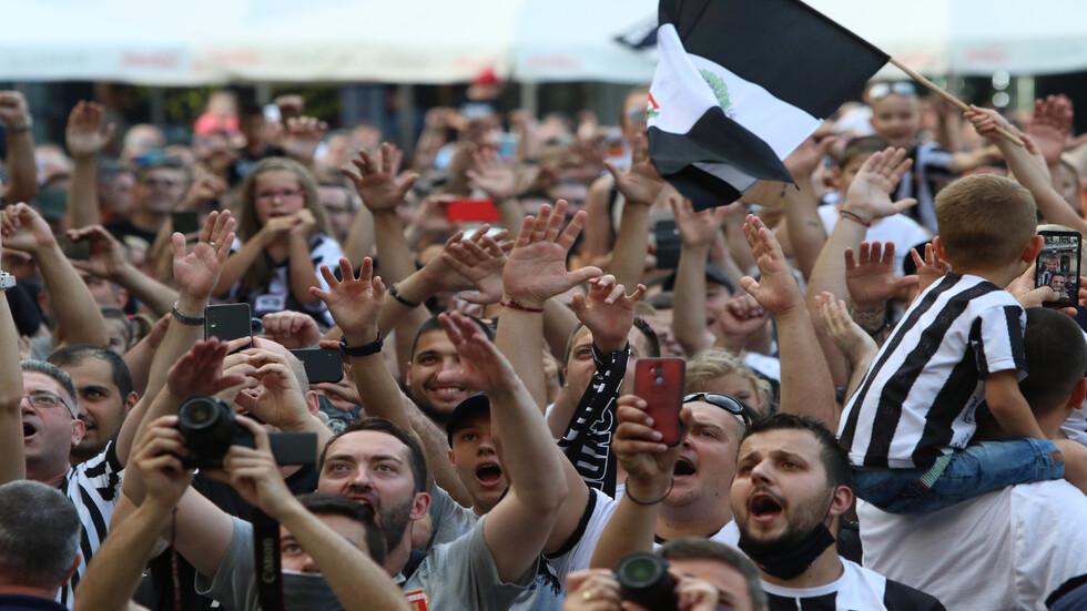 Локомотив (Пловдив) отпразнува Купата заедно с феновете