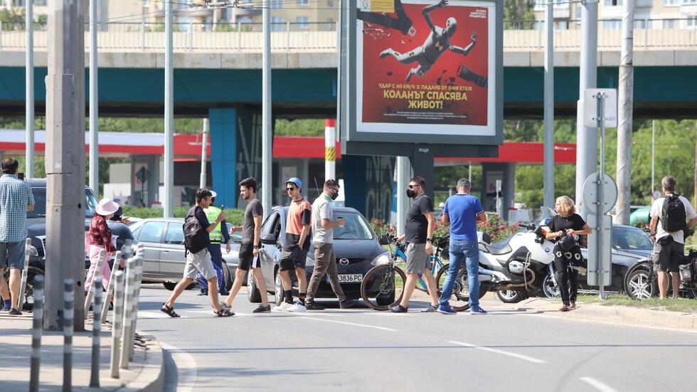 Протестиращи на кръговото на 4-и км