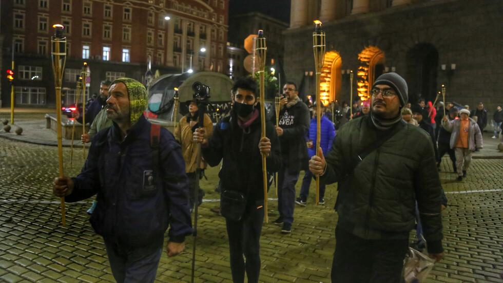 Факелно шествие в 111-тата вечер на протести