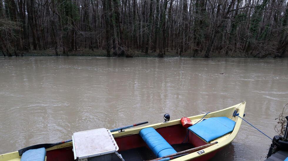 Рекордните валежи напълниха река Камчия