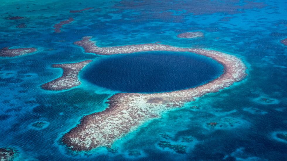 Невероятно красиви, но опасни водни басейна