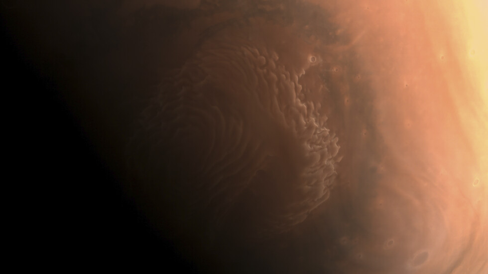 """Китайската станция """"Тянвън-1"""" изпрати кадри от орбитата на Марс"""