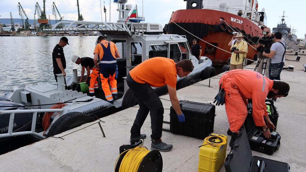Открит е биологичен материал при останките на самолета край Шабла