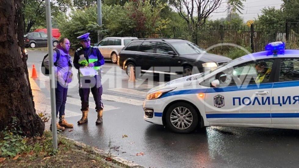 Кола помете дете и жена на пешеходна пътека в Бургас