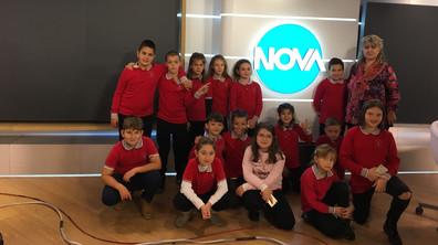 """Ученици от ЧСУ """"Дружба"""" на посещение в NOVA"""