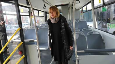Фандъкова провери готовността за пускане на нови автобуси в градски транспорт