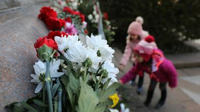 В памет на Левски: Ученици поднесоха цвета на Паметника на Апостола в София