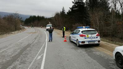 Двама души загинаха при тежка катастрофа на пътя София-Варна