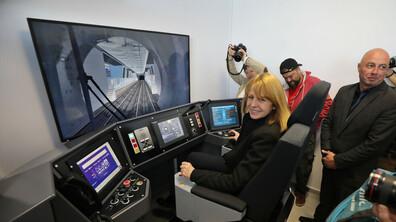 Монтират обезопасителни врати на две метростанции